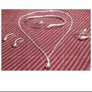 New .925 silver plated jewelry set